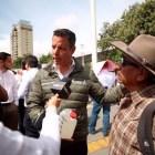 Mezcaleros de la Mixteca se suman a no entregar más denominación de origen del mezcal en el país
