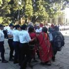 Piden intervención de AMLO para atender desplazadas triquis