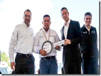 Entrega gobernador ambulancias y equipamiento a hospitales de la Mixteca