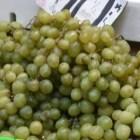 Aumenta 30% precio de la uvas por cena de fin de año