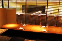 1F:寿司フロア個室