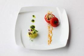 様々な貝のリゾット 丸ごとトマトに詰め込んで