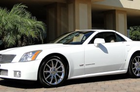2008 Cadillac XLR-V in Alpine White