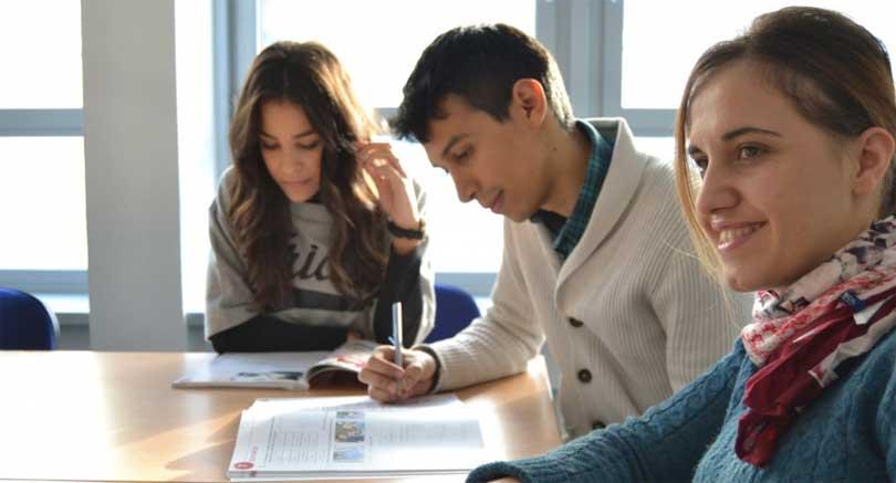Studer i en gruppe