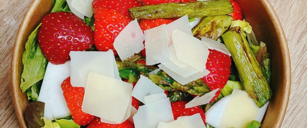 Erdbeer-Spargel Bowl