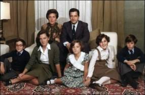 Adolfo Suárez y familia. Con ñ de España