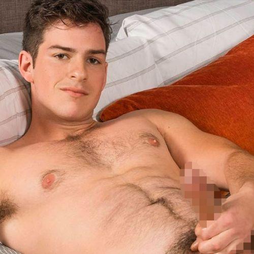 Sean Cody : 新人の現役大学生Archieの有り余る精力が画面にほとばしる、、激しいソロ・オナニー