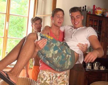 カメラ前での初ゲイセックスでも堂々としたBruce Querelle、オラネコ Marcel Gassionも優しくリード