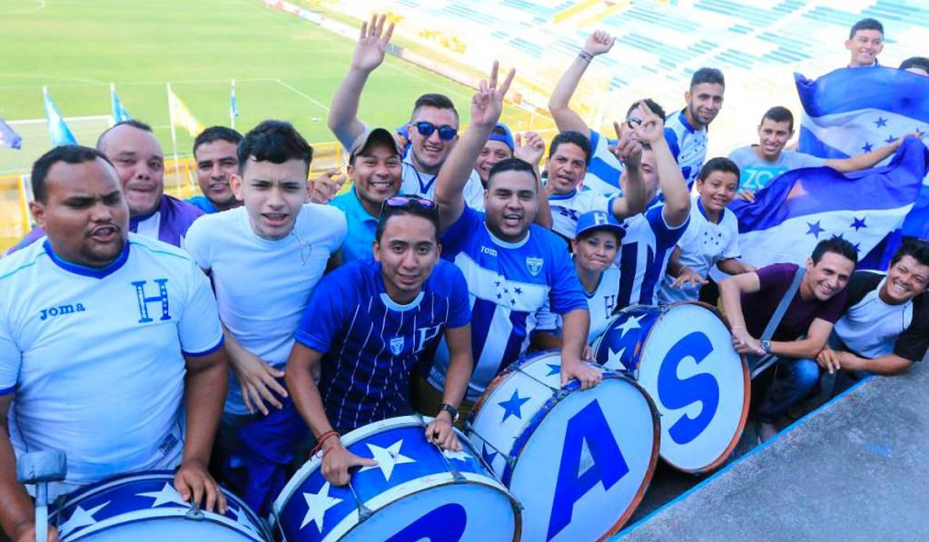 Afición de Honduras deberá presentar cartilla de vacunación para poder entrar al Estadio