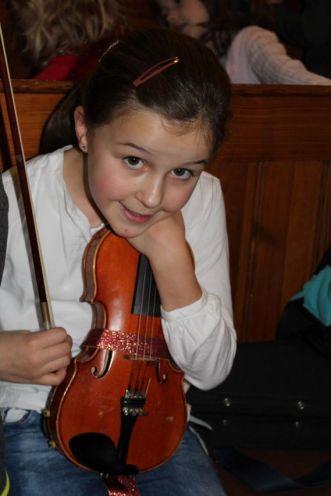 Annika an der Geige