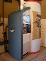 SolvisMax Solarbrennwertheizzentrale im Bestandsgebäude multifunktional