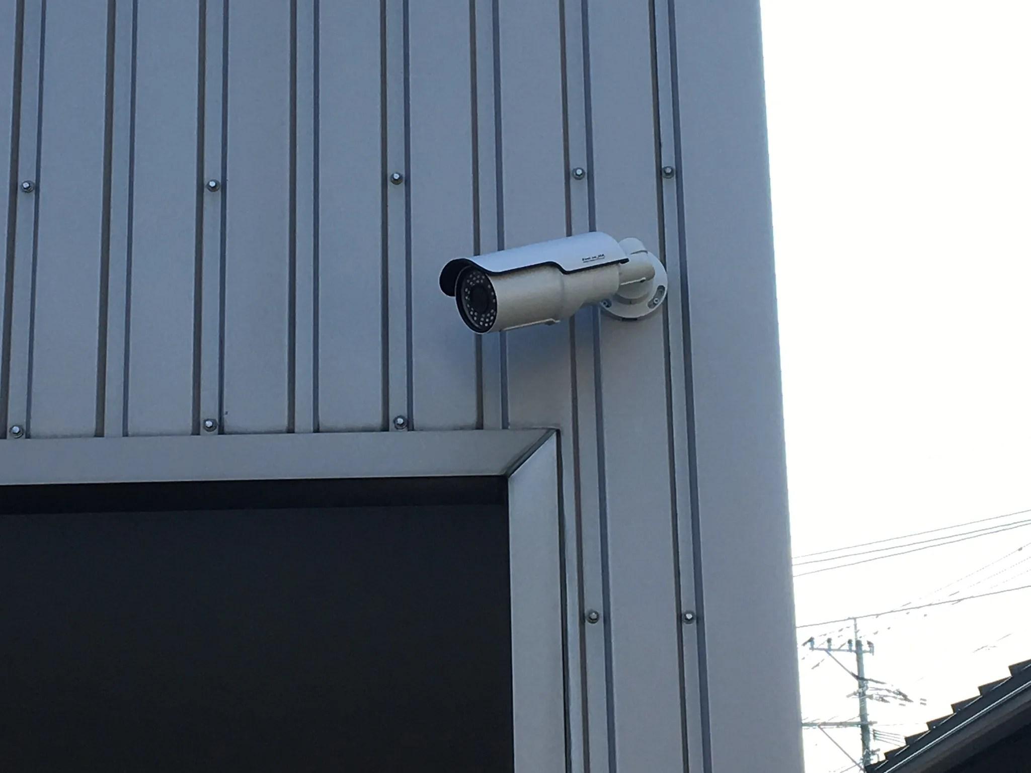 資材置き場近くの防犯カメラ