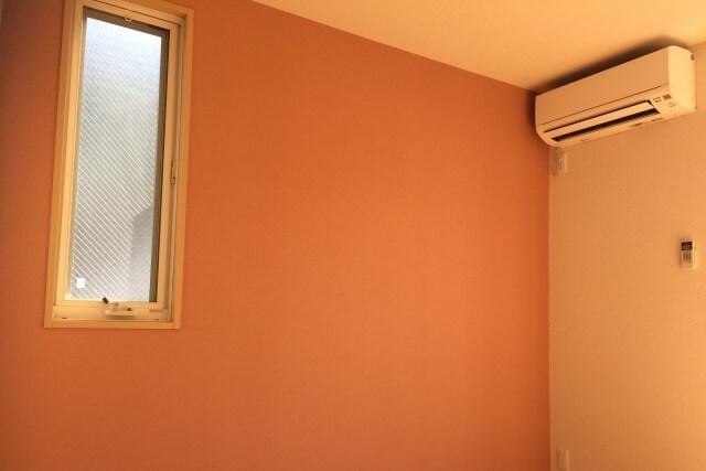 部屋をおしゃれに演出する「アクセントクロス」~単価の安い量産型クロスで費用を抑えながらおしゃれに楽しもう~