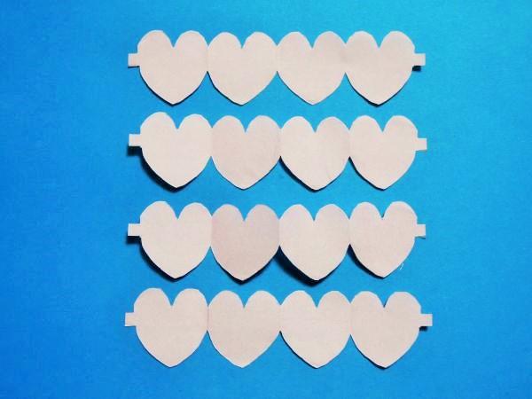 折り紙で横長のハートの切り絵の作り方と折り方|バレンタイン飾り