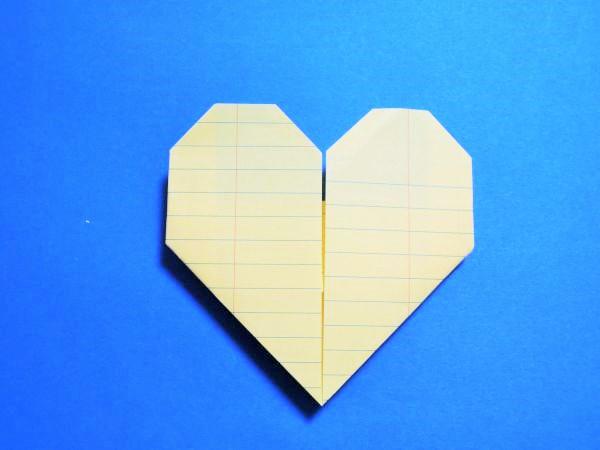 長方形の折り紙や手紙・便箋をハートに折る簡単な折り方・作り方