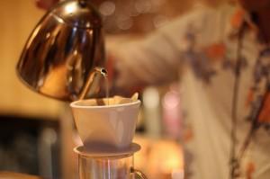 ドリップ・ペーパーフィルターでコーヒーをおいしくいれる