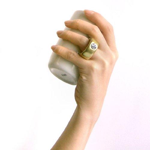 かわいいカップにスワロフスキーの指輪がついてます