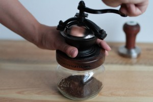フレンチプレス(コーヒープレス)で一味違ったコーヒーはいかが?中挽き粗挽きコーヒー豆