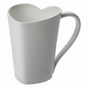 ハート型マグカップに手作りチョコを詰めてバレンタインプレゼントはいかが?