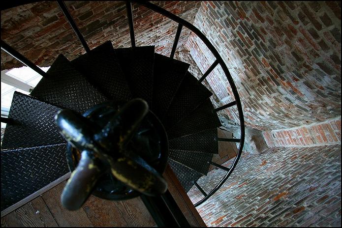 おしゃれなお部屋に住みたいな 螺旋階段のあるお部屋002