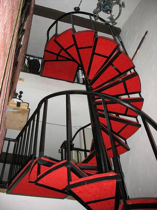 おしゃれなお部屋に住みたいな 螺旋階段のあるお部屋000