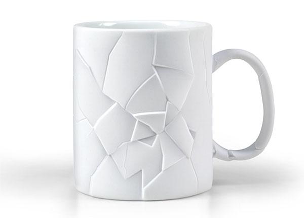割れてるようなデザインの割れていないマグカップ