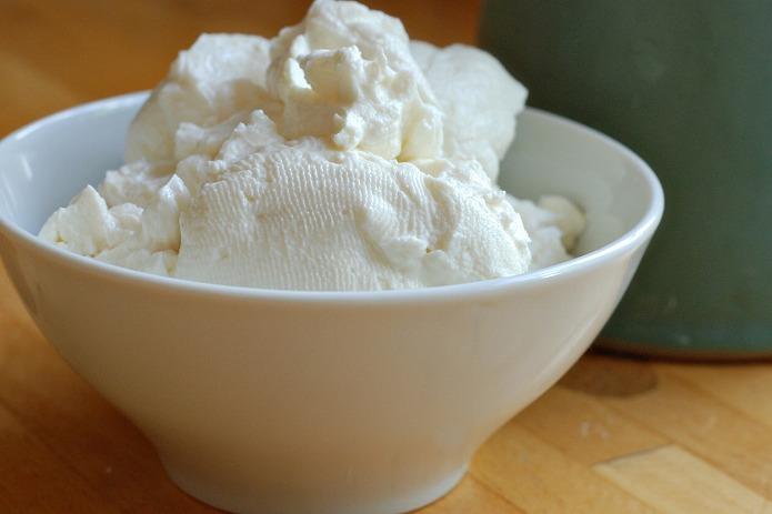 まるで濃厚クリームチーズ!水切り水抜き・ギリシャ・スズメヨーグルトの簡単レシピ