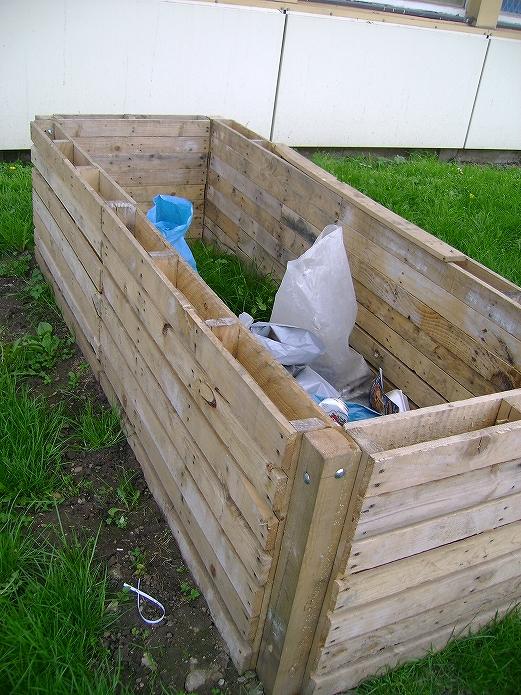 お庭でガーデニング・観葉植物をもっと可愛くおしゃれに!プランター・鉢を木製パレットでDIYする012