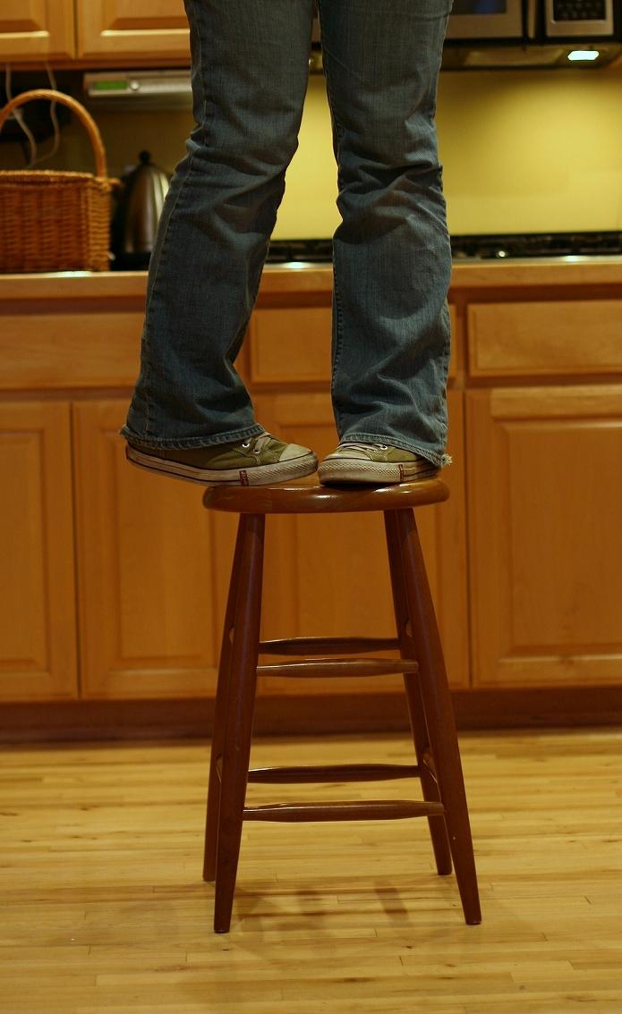木製アンティークスツール(椅子)がおしゃれなおうちカフェにしてくれるよ007