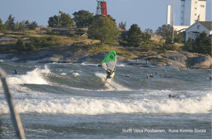Purjelautailu vai surffaus