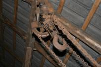 pic - kettenzug hängt am dach
