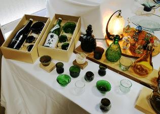 琉球ガラス吹きガラス工房「琥珀」