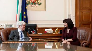 Цвета Караянчева разговаря с генералния директор на BBC