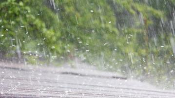 Дъжд, гръмотевици и градушки в началото на седмицата