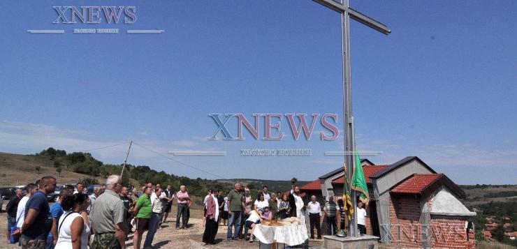 Осветиха 9-метров кръст край Сусам