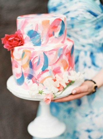 blue, red, pink, pink, brushstroke abstract wedding cakes. 10 trendy brushstroke cake ideas for beginner bakers. I love decorating cakes and this new brushstroke trend is so cool! These cake ideas are genius and so easy to make for beginner bakers! It so simple to decorate these cakes! Very cool technique! Saving for later!