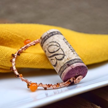 12 Wine Cork Crafts. DIY napkin ring crafts and gifts. Where are all my fellow wine lovers at?! This is amazing! I love this craft idea. Turn wine corks into awesome DIY crafts, home decor and gift ideas. This is so cool! I love it! Perfect for wine lovers! Pinning for later!