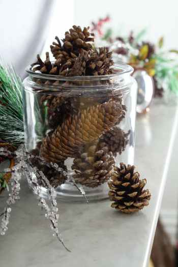 DIY home decor scented pinecones for best scented room.