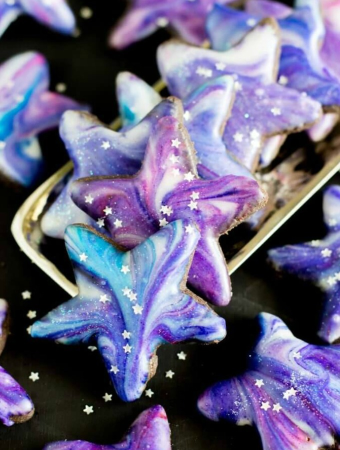 203925ba5a3 14 Galaxy Desserts That Are Out Of This World - XO