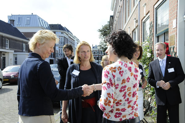 openday2-greeting-visitors