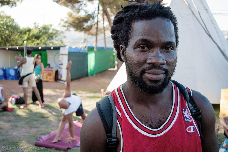 Lion retrato de un chico negro en Benicassim