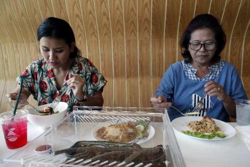 XplodeLIAO_泰国蛇cafe5