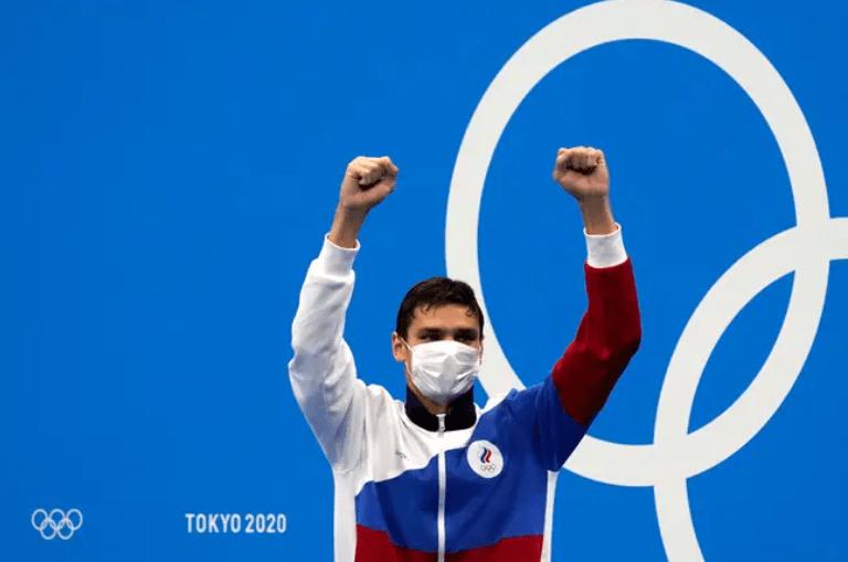 XplodeLIAO_奥运金牌的白色口罩