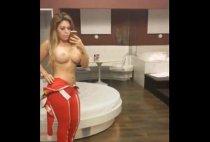 Prostituta brasileira Juju Ferrari  caiu na net peladinha