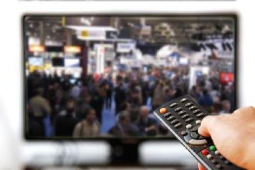 TV con telecomando