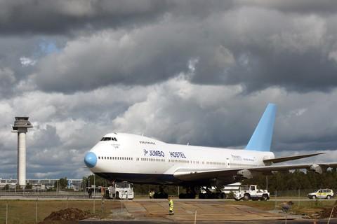 Το πρωτο αεροσκαφος είναι στη Σουηδια. Το δευτερο αυτο που εγκαταλειφθηκε στη Χρυσουπολη