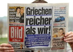 Bild:  «Οι Έλληνες είναι πλουσιότεροι από εμάς»