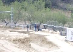 Ανασκαφή Αμφίπολις: Έχει γίνει «κέντρο διερχομένων»;  Όποιος θέλει μπαίνει στο χώρο της ανασκαφής στο λόφο Καστά αρκεί να έχει την κατάλληλη γνωριμία!!!