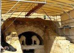 Περιφρονητική στάση απέναντι στην ανασκαφή της Αμφίπολης στο φετινό ΑΕΜΘ αλλά  και νέα στοιχεία απο την έρευνα