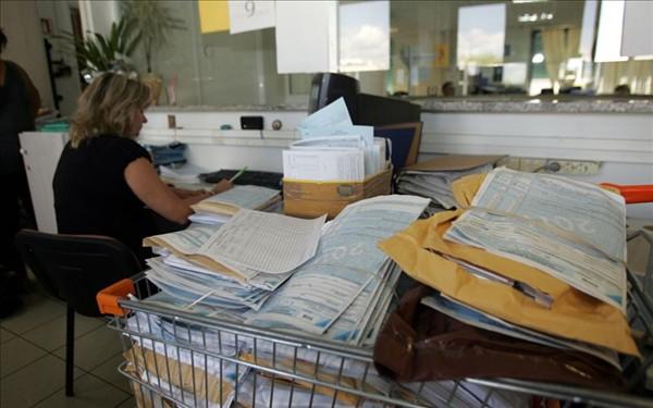 Νέα πάγια ρύθμιση 24 ή 48 δόσεων φέρνει το φορολογικό νομοσχέδιο. Δικαίωμα ένταξης και για τα χρέη του '19 στην εφορία